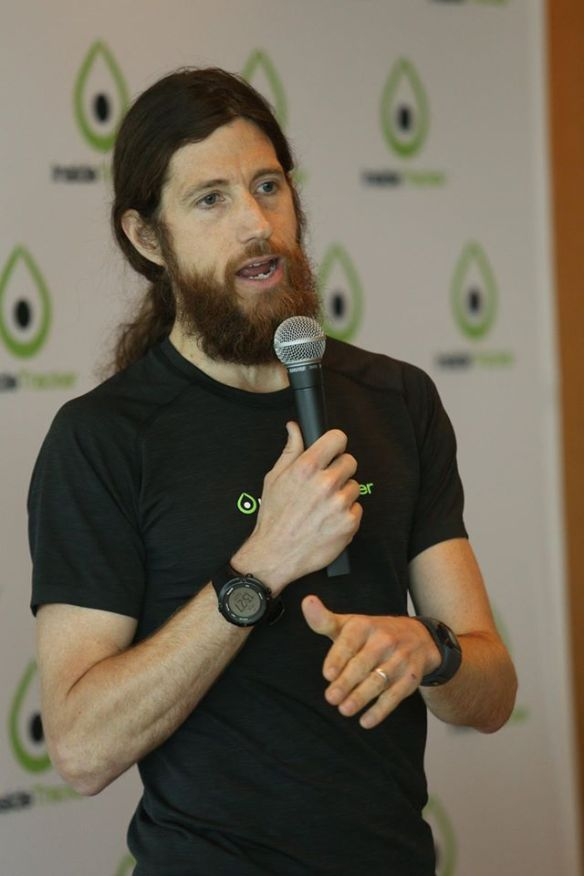 Mike Wardian speaking at the InsideTracker shakeout run event